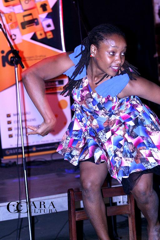 Leila no Sketche de dança que abriu o show de hip Hop