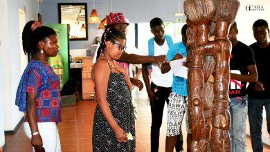 Estudantes da Escola secundária Machava-Sede visitam exposição de Zefrino