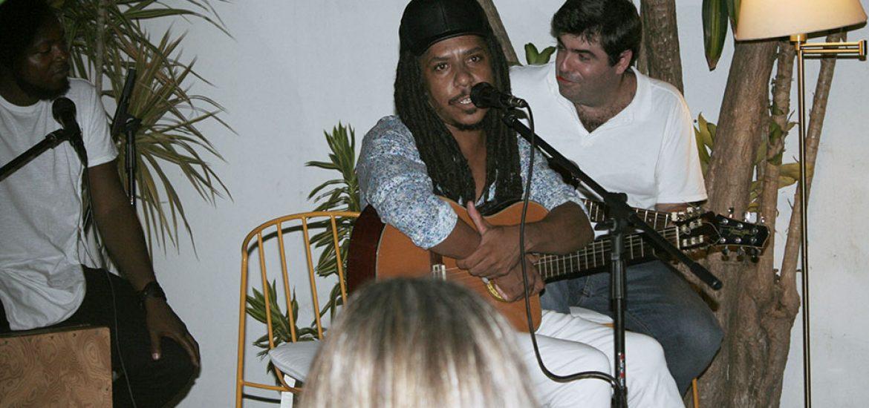 Anoitecer em Sarau com Ivo Maia