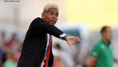 Abel Xavier, Deve ou Não continuar na Selecção Nacional de Futebol?