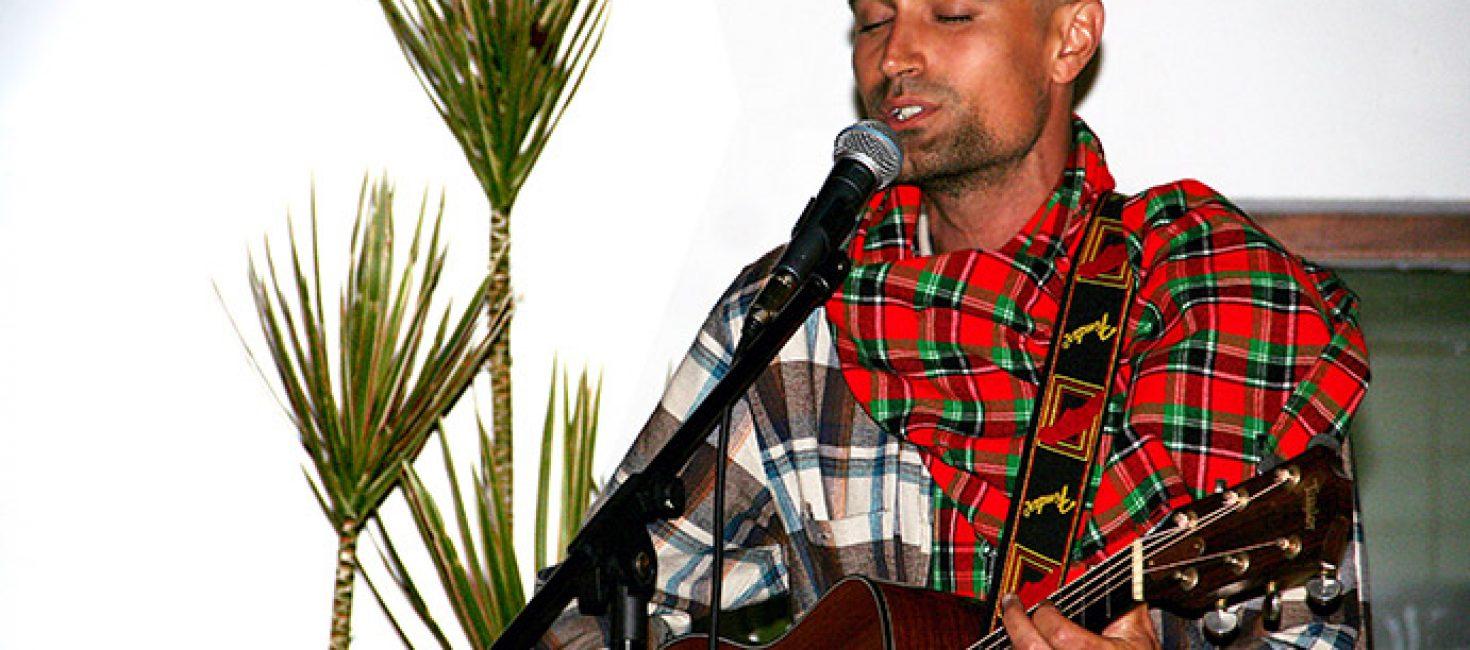Joel K. Elliott's em Moçambique