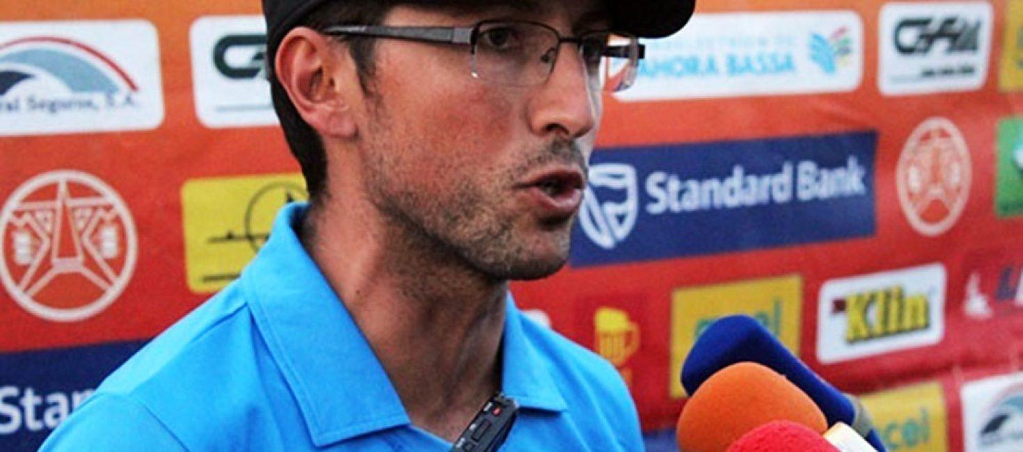 Nelson Santos continua no banco técnico do  Costa do Sol para a próxima época futebolística