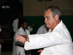 O mestre de Karatê George Papadaskis visitou Moçambique para avaliar a posição actual deste desporto