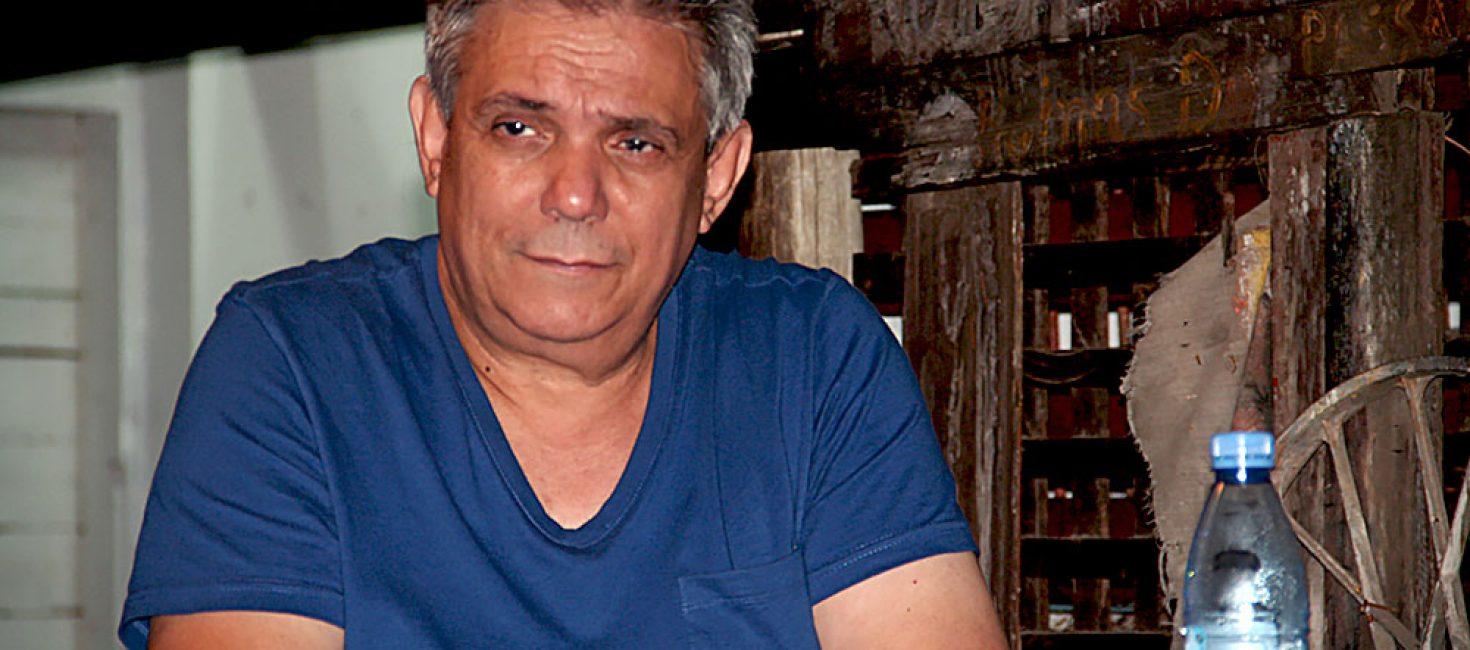 O historiador António Sopa prepara o primeiro dicionário das artes em Moçambique