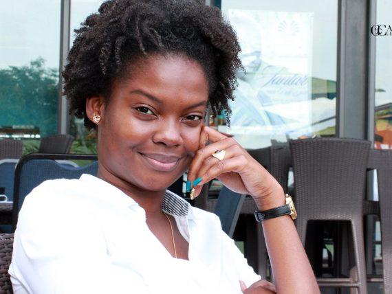 Melanie, a moça que protagonizou a personagem Rosa no filme Comboio de Sal e açúcar