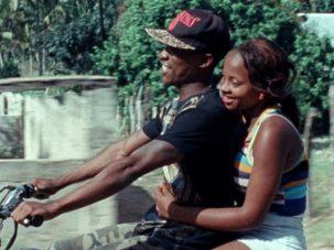 Nyo Vweta Nafta, um grande filme feito de fragmentos narrativos