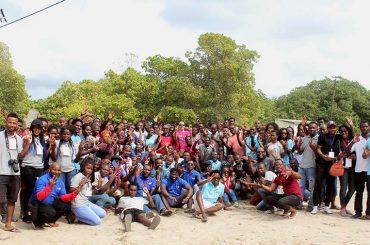 Cultura e turismo foi agenda de uma visita de estudantes de artes à casa de Eduardo Mondlane em Nyadjahana