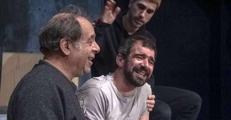 PASSOS EM VOLTA é a nova peça daCompanhia João Garcia Miguel, com estreia marcada para oTeatro Ibérico